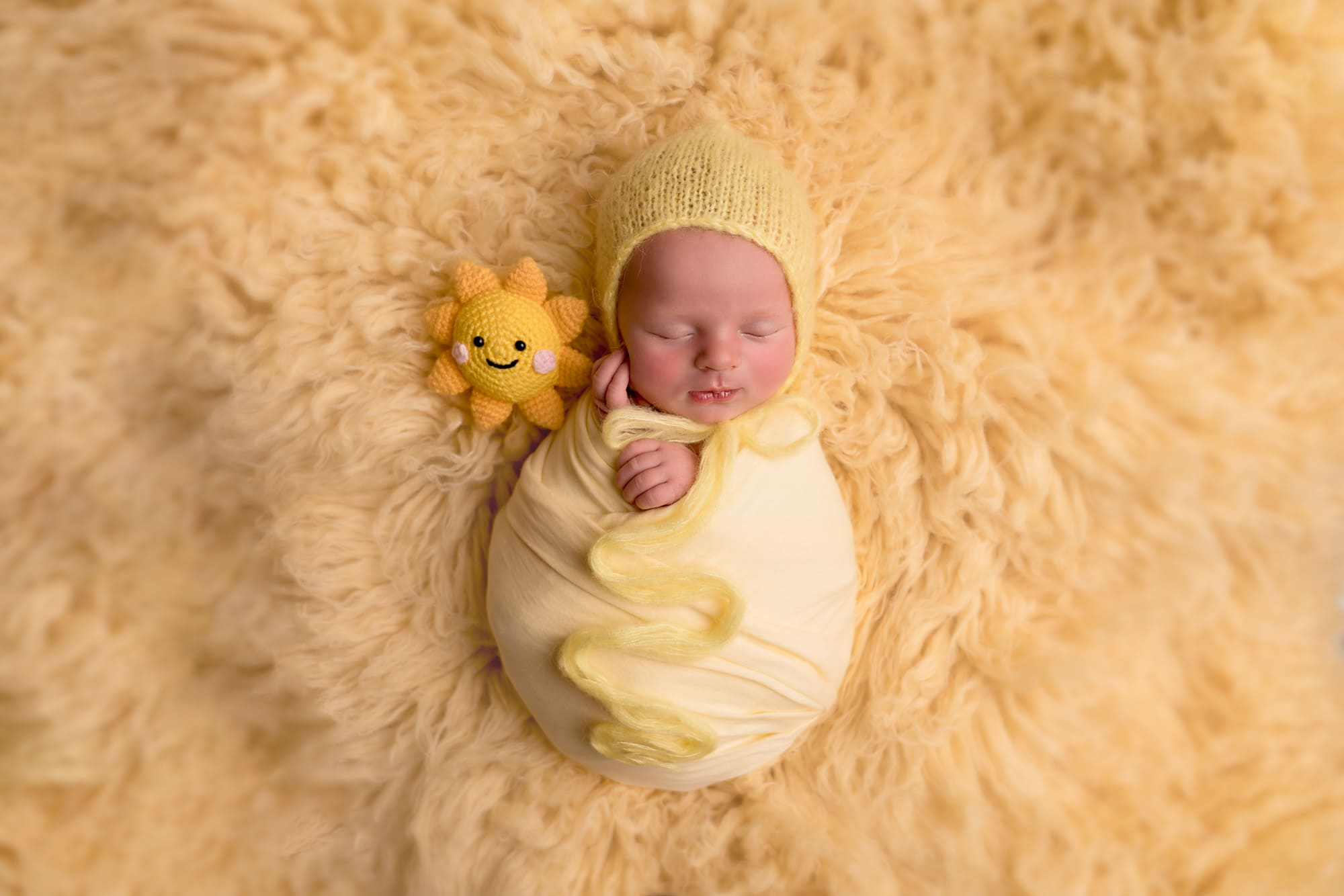 newborn and sibling photography mk